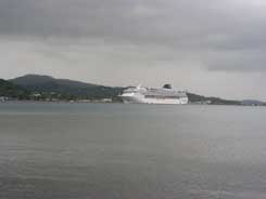 Cruise ship at Coxen Hole